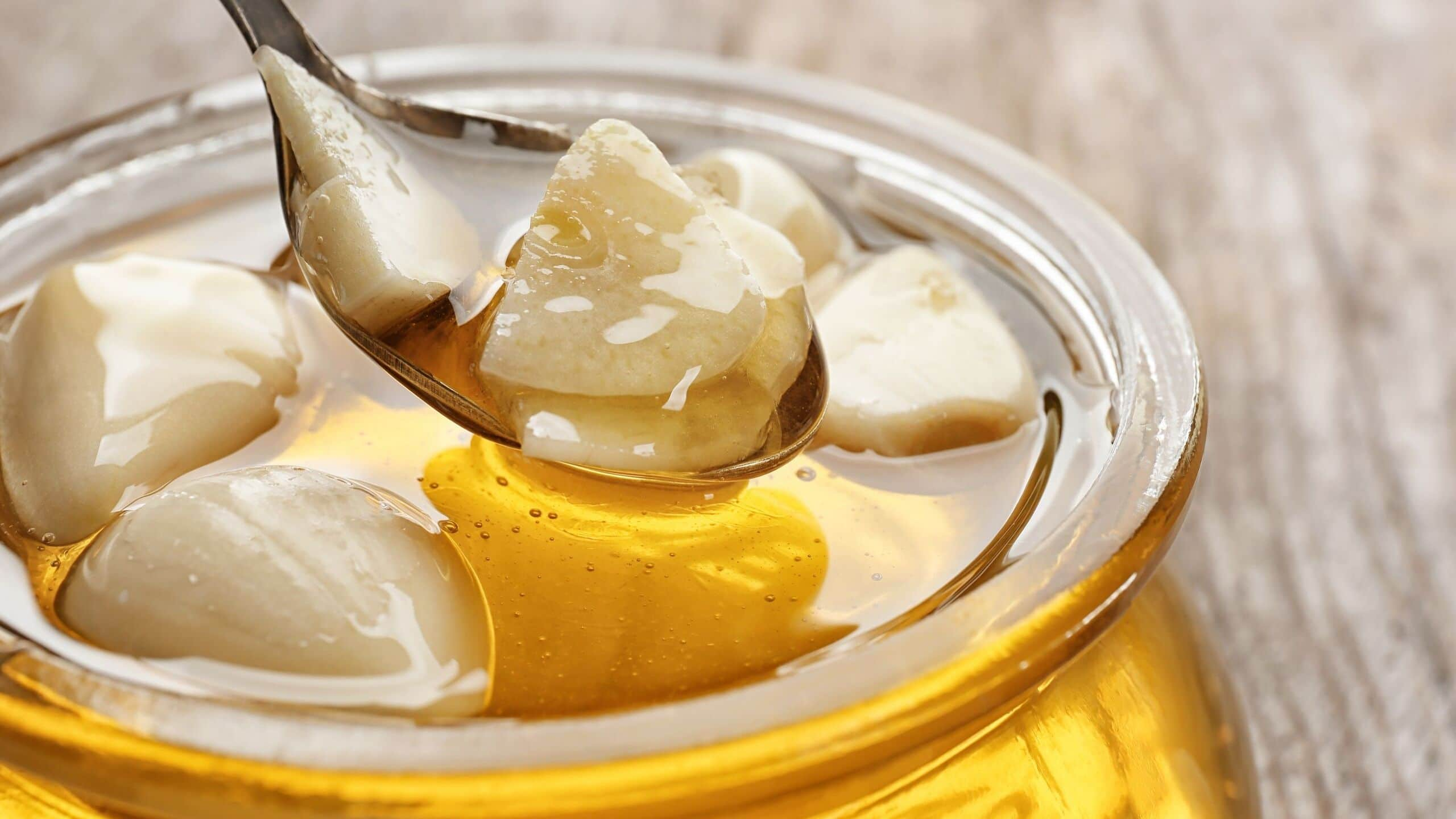 Garlic and Honey Benefits for Health, skin and hair