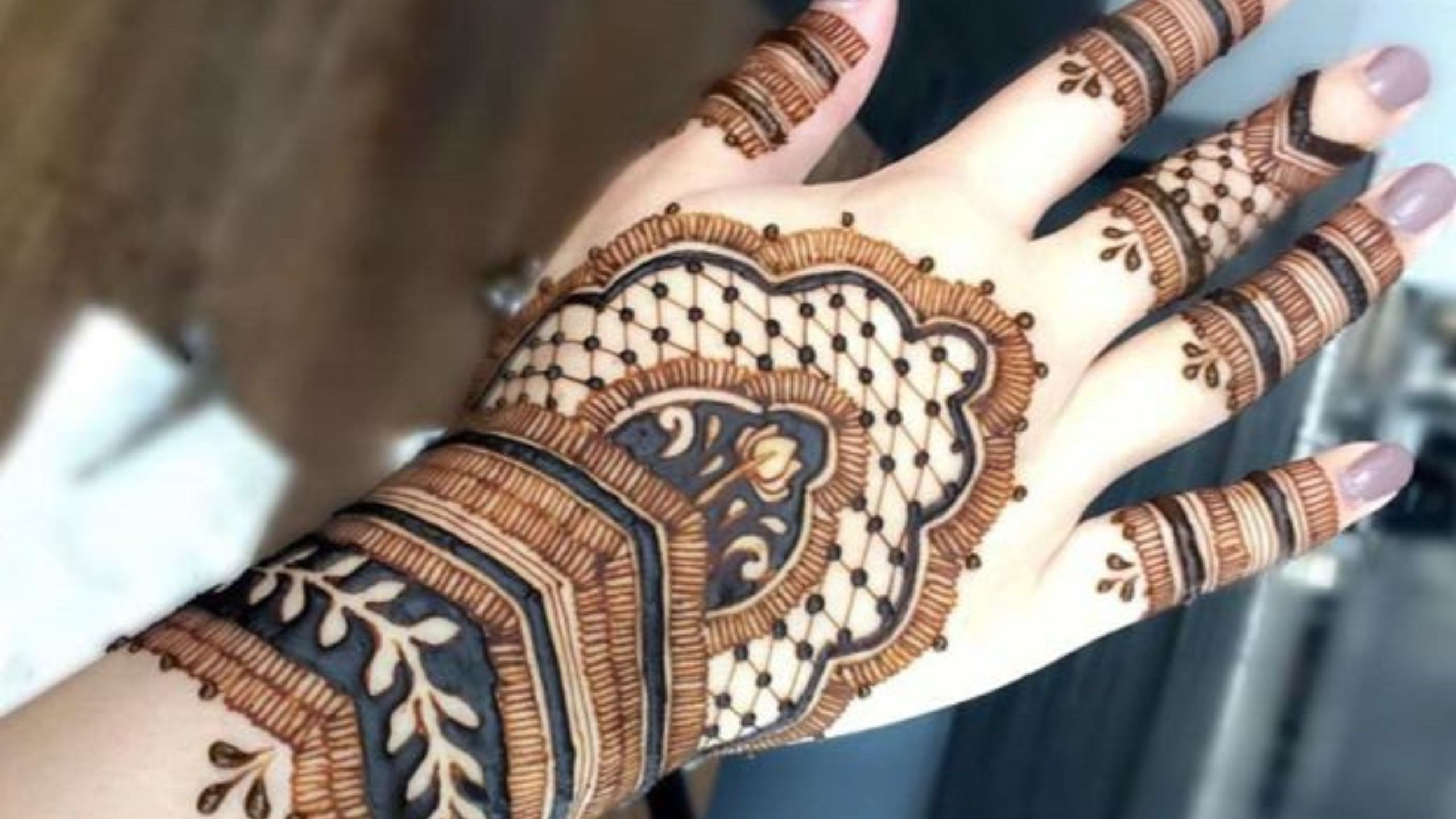 97 Easy and Simple Mehndi Designs for girls