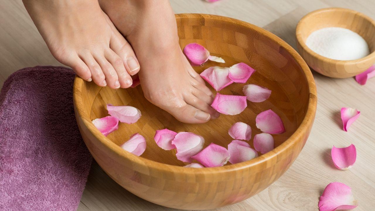 Benefits of Keeping Feet Under Warm Water