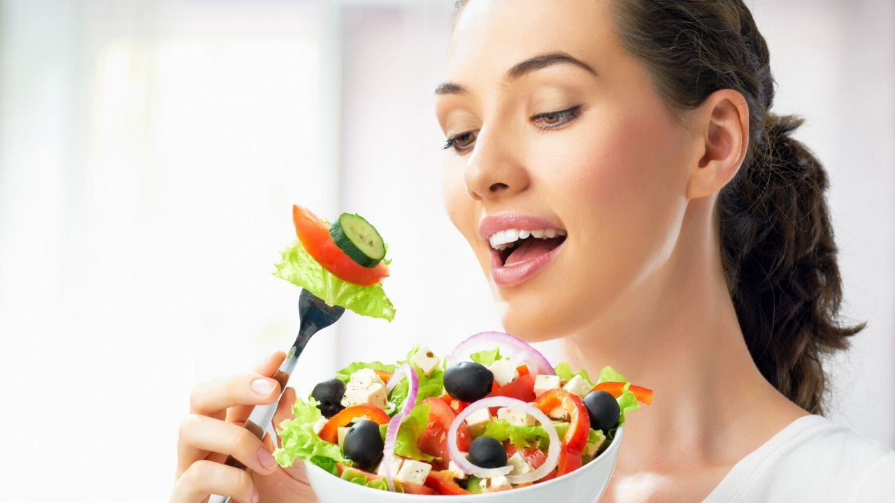 Read more about the article 15 Foods to Lose Weight Fast Naturally