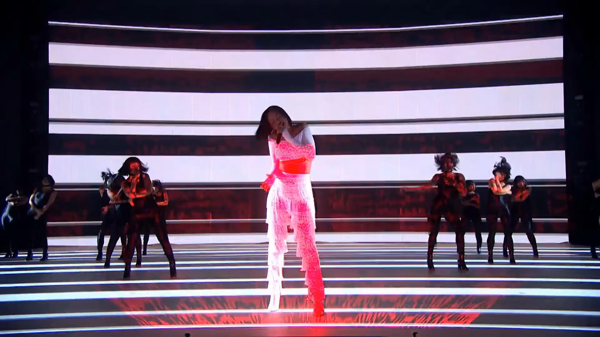 Rihanna Ft. Drake & SZA | Live at the Brits