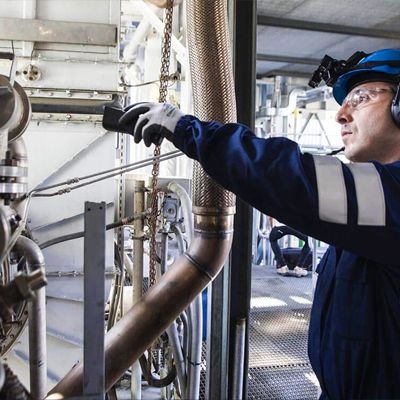 connected worker in oil and gas