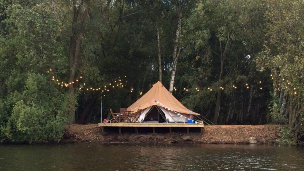 YALA_BellTent_with_cover-min