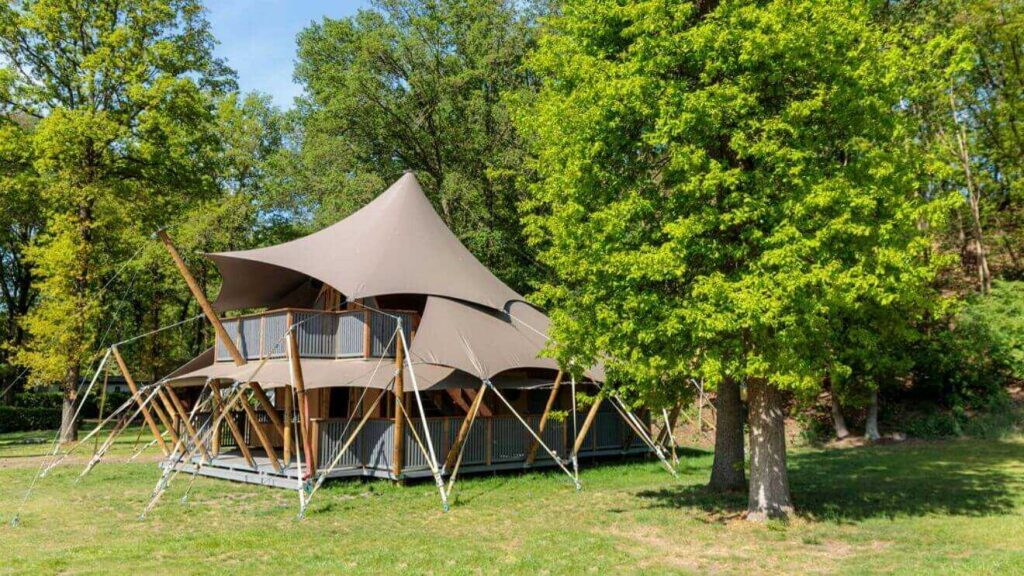 luxetenten_romanov_residence_from_the_side_optimized-1