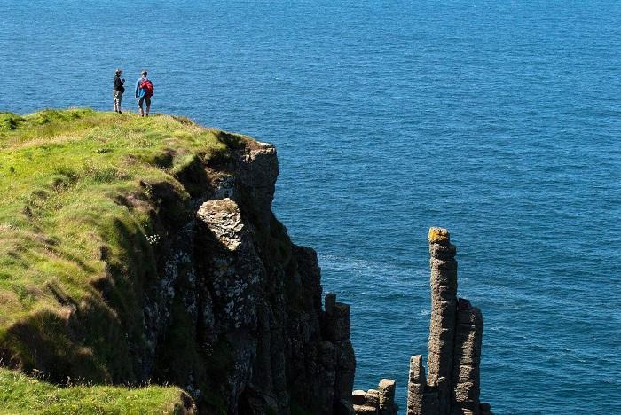 Giant's Causeway Cliff Path Walk, mindful walking