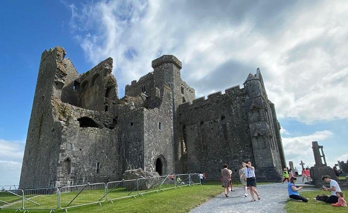 Rock of Cashel, St Declans Way