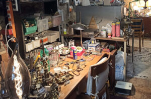 atelier de rénovation d'objets anciens à Landecy