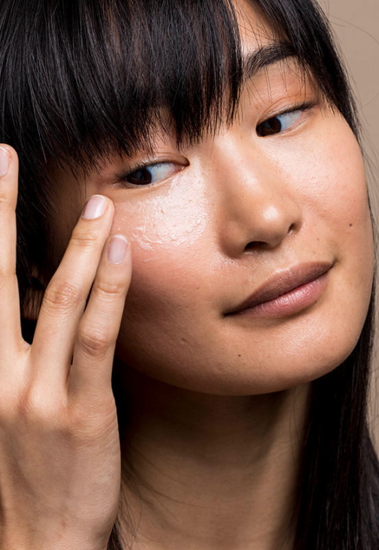 how and when applying a retinol cream