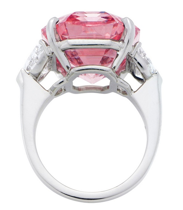 The stone is one of just five pink diomands weighing more than 10 carats offered by Christie's in its 250-year history