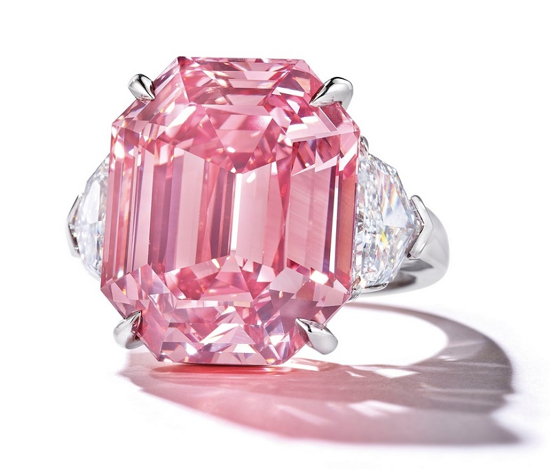 The 18.96-carat diamond sold for $50 million, setting a record price of $2.637 million per carat