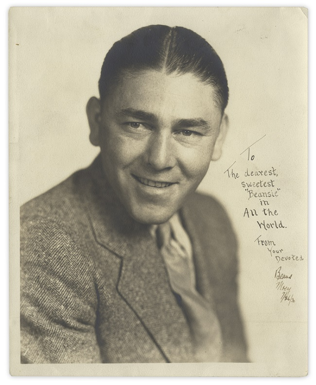 A signed photo of Moe Howards inscribed to his wife Helen in 1930.