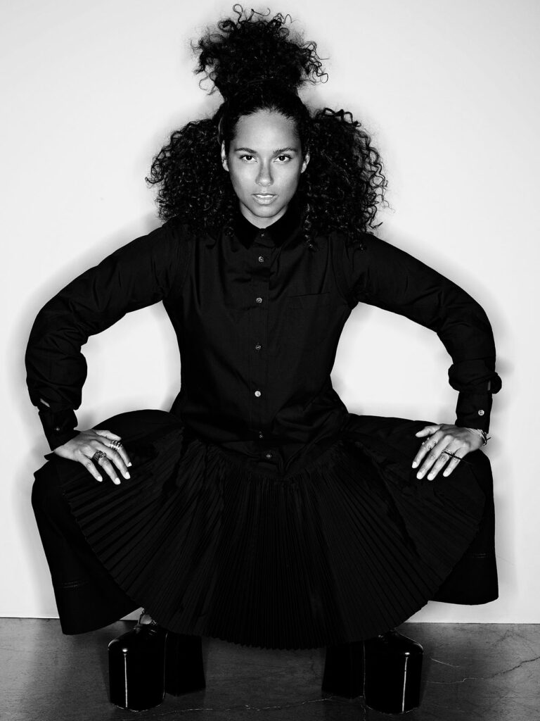 Alicia keys wears black outfit for Ebony