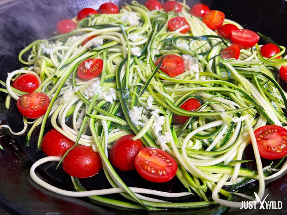 Zucchini Spaghetti mit Reh - Zubereitung