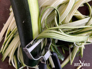 Zucchini Spaghetti mit Reh - Vorbereitung