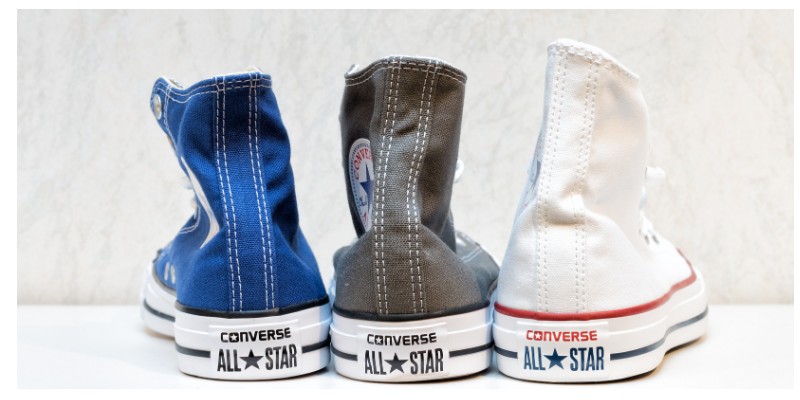 personal uniform , 3 pairs Converse all stars