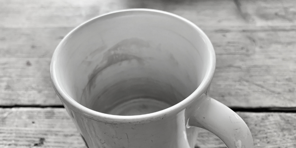 remove tea stains from tea stained cup