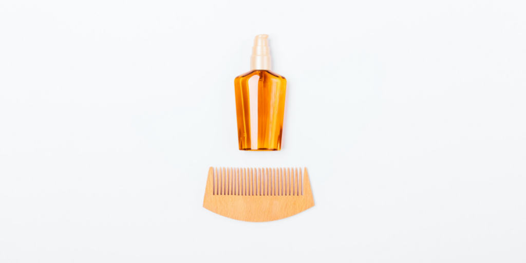 how to clean wooden combs