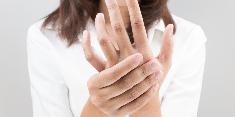 menopause tingling hands