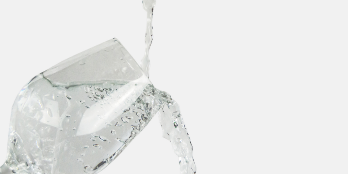 how to use the glass of water method to stop chronic clutter