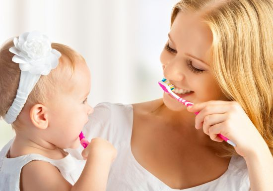 how to teach a toddler to brush their teeth