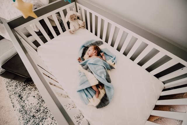 baby falling off the bed