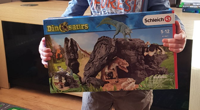 Schleich Dino Set with Cave – Review