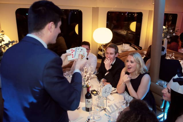 Close up Magician Party and Wedding London, Surrey, Richmond, Twickenham.
