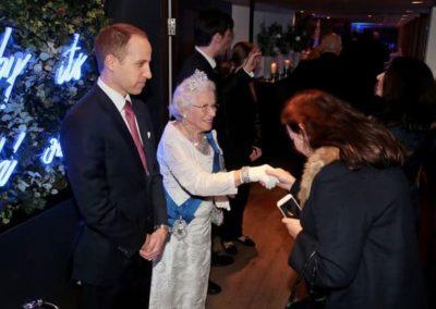 Prince-William-&-Queen-lookalike-10