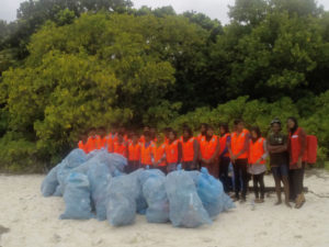 orp-community-outreach-thulaidhoo-beach-cleaning