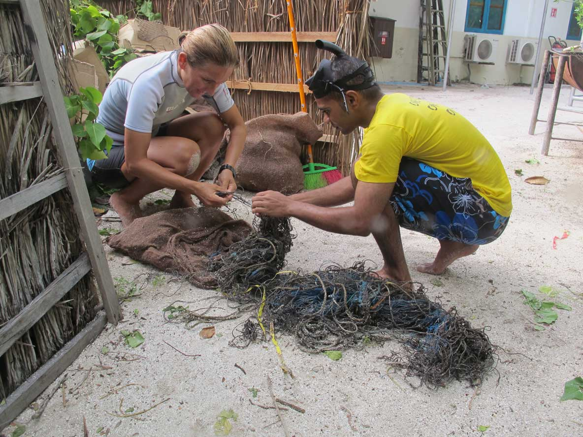 Citizen scientists inspecting ghost gear for ORP ghost gear research