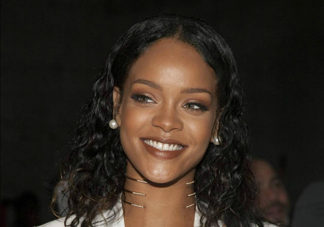 Rihanna's Biggest Tracks!