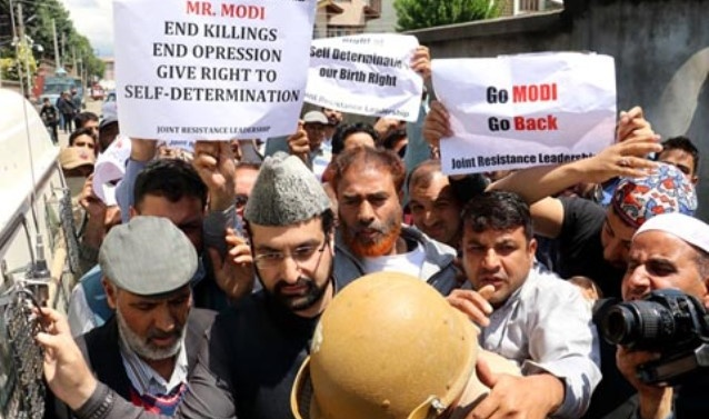 Kashmir: Lal Chowk march foiled with curbs, detentions