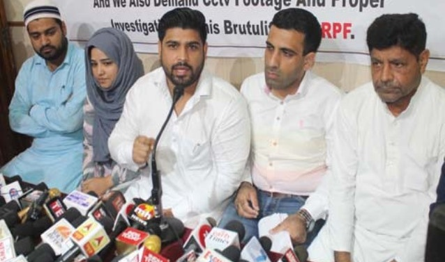 Kashmir: Family of youth killed, demands FIR against CRPF guards, release of CCTV footage