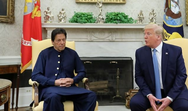 In meeting with Imran Khan, Donald Trump offers to mediate on Kashmir