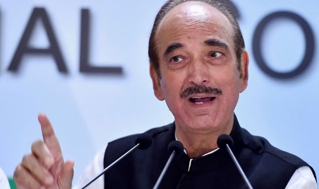 KASHMIR: AZAD VISITS SRINAGAR, TALKS TO PEOPLE TO ASSESS SITUATION