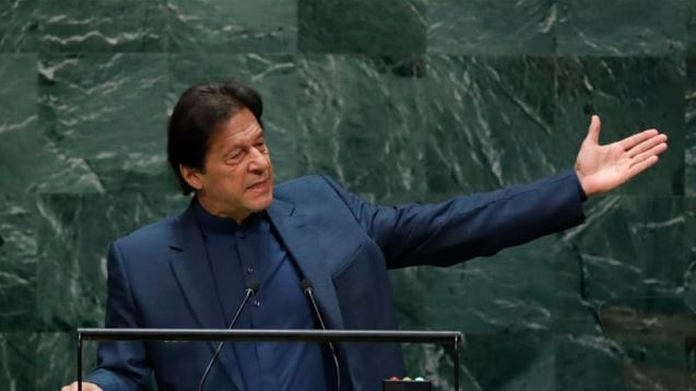 Pakistan PM warns of 'bloodbath' in Kashmir, India's Modi silent