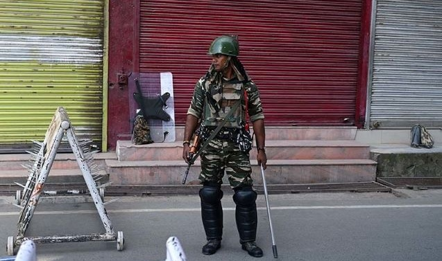 Kashmir: Landline phones back in but calls still not going through