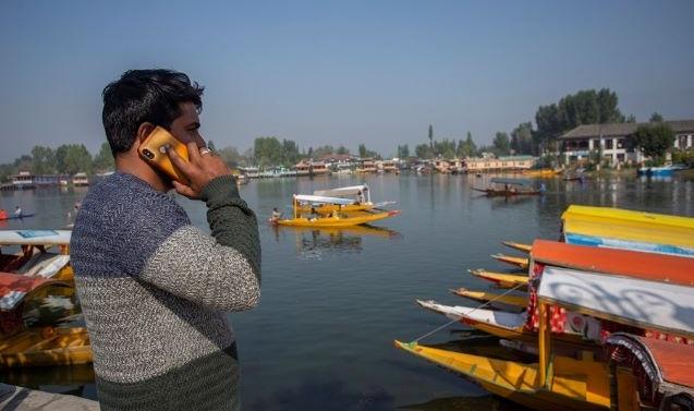 Postpaid Mobile Services Restored In Kashmir After 70 Days