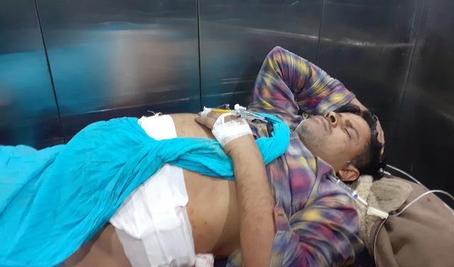 Suspected militants kill two in Indian Kashmir, set apple trucks ablaze