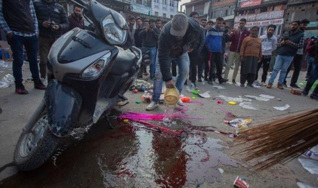 Grenade Attack in Srinagar; 1 Killed, Dozens Injured