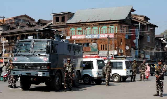 Security Beefed Up In Kashmir Valley A Day After Blasts