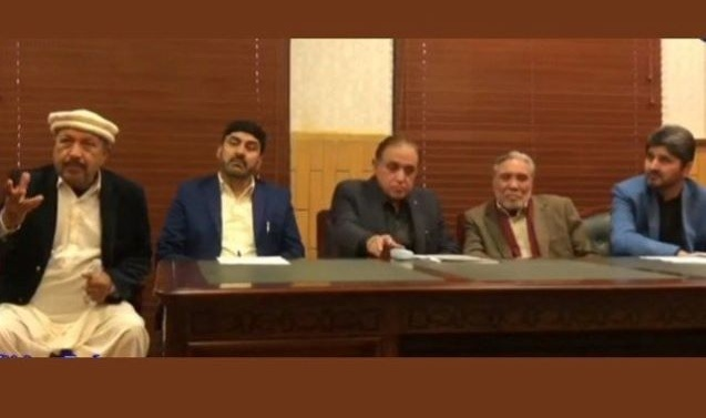 Kashmir: Make G-B constitutional province or grant special rights, demand lawmakers