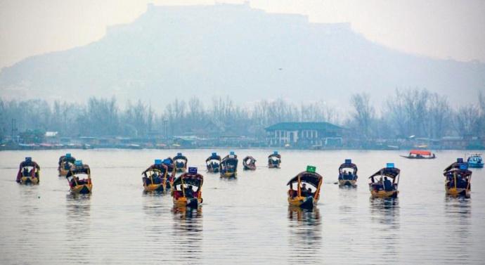 Envoys In Kashmir Take Boat Ride On Dal Lake, Meet With Entrepreneurs