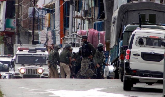 Militants attack CRPF party in Sopore; three troopers killed, two wounded