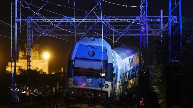 1 killed and up to 35 injured after two trains collide near Czech capital