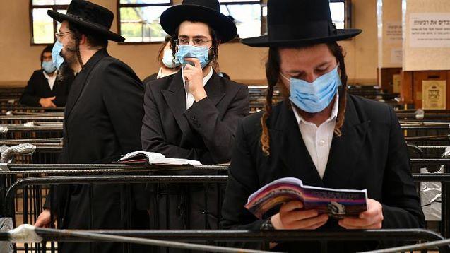 Hundreds of Hasidic Jews blocked at Ukraine border plea for help