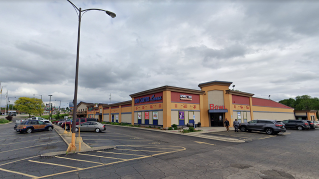 USA: 3 killed, 3 injured in 'random' mass shooting at bowling alley in Rockford, Illinois