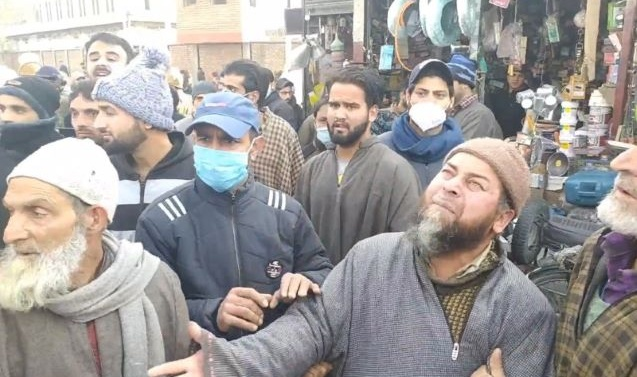 Kashmir's Hokersar encounter: Families of slain trio hold protest, claim they were innocent