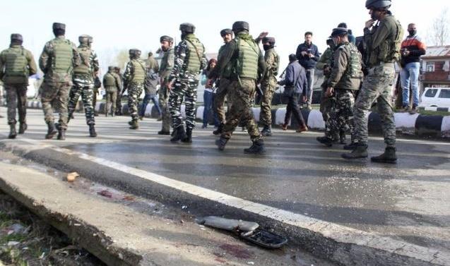 Kashmir: 2 CRPF personnel killed in ambush