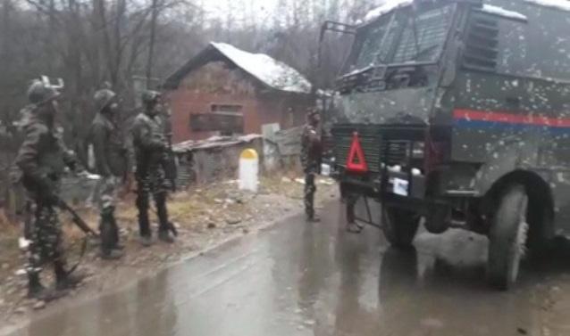 Kashmir: Four LeT militants killed, soldier injured in Shopian gunfight